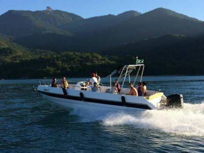 alugar charter 28 lancha angra dos reis rj costa verde 206 507