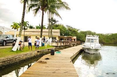 alugar charter 38 lancha sao sebastiao sp litoral norte 288 7767