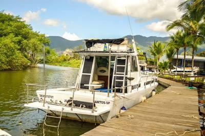alugar charter 38 lancha sao sebastiao sp litoral norte 288 7768