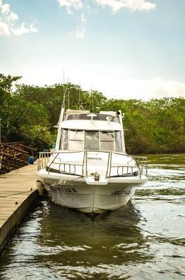 alugar charter 38 lancha sao sebastiao sp litoral norte 288 7792