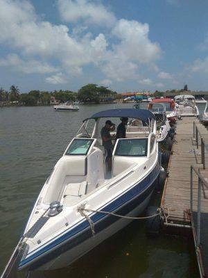 alugar charter lancha 28 pes cabo frio rj regiao dos lagos 222 554