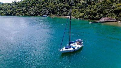 alugar charter veleiro 30 pes paraty rj costa verde 3 840