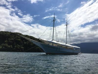 045/alugar charter 8 outros angra dos reis rj costa verde 623 6086