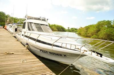 485/alugar charter 38 lancha sao sebastiao sp litoral norte 288 7765