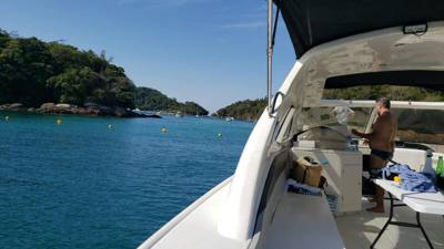 671/alugar charter 52 lancha angra dos reis rj costa verde 71 8581
