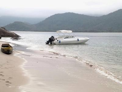 50/alugar charter lancha 24 pes paraty rj costa verde 18 1742
